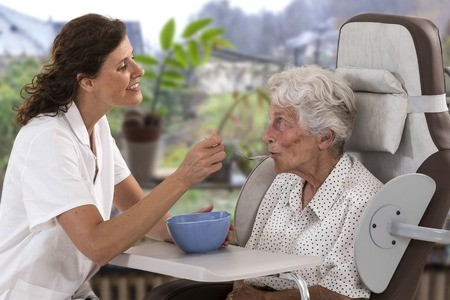 aide à domicile soin à domicile